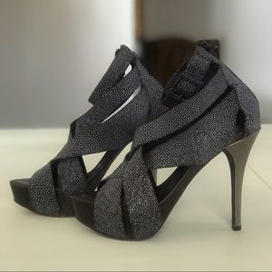 BCBGMAXAZRIA Leather Platform Sandals Size 7